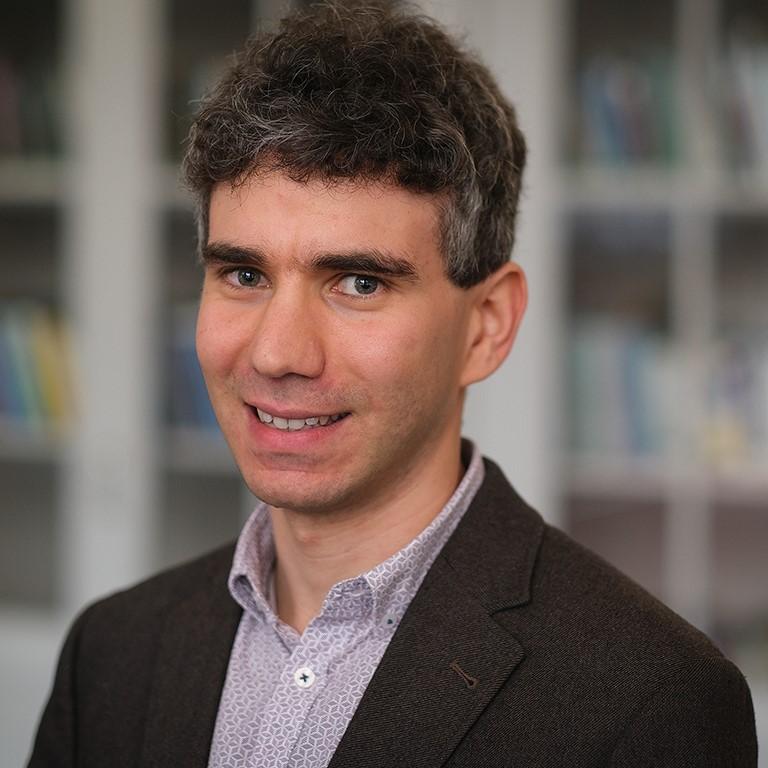Dr Camilo Erlichman